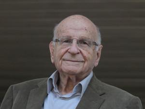 סמל - פרופסור יונה רוזנפלד